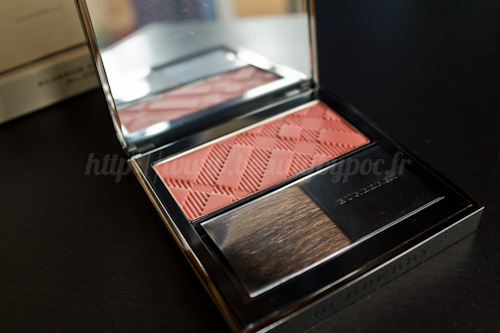 Burberry : Light Glow n°5 Blossom Blush