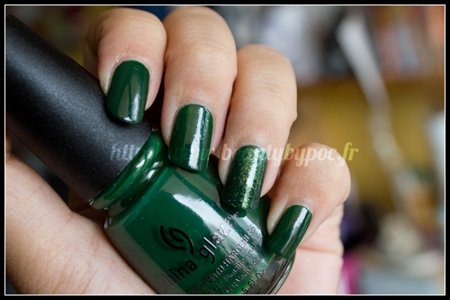 China Glaze : Holly-Day + Glittering Garland / Let it Snow / Holiday 2011