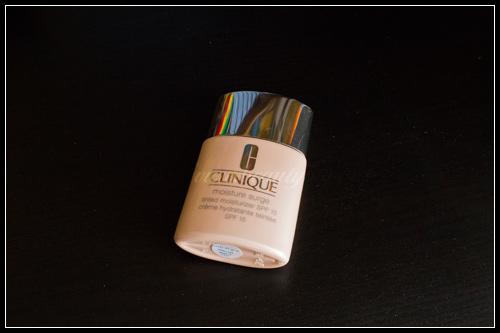 Clinique Moisture Surge Crème hydratante teintée SPF 15
