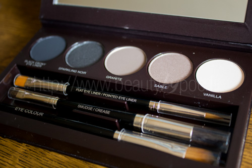 Concours des 4 ans : Laura Mercier - Collection Classic Smoky Eye / Un must-have !