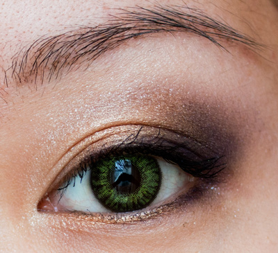 Make-up #43 : Palette Wild Violet & Lentilles Gemstone Green Freshlook Colorblends