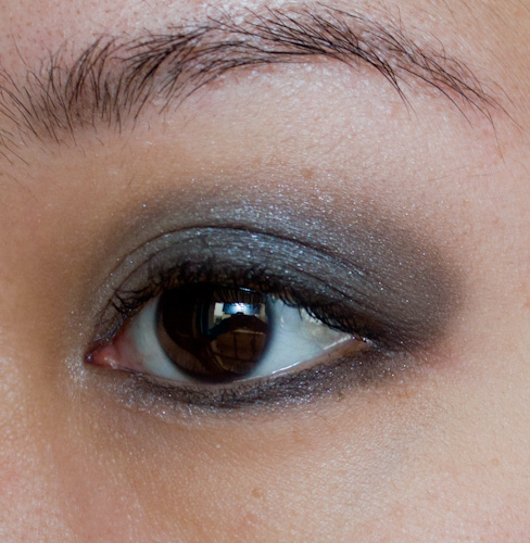 Make-up #84 : Un charbonneux avec Burberry :)