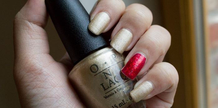Manucure de Noël - OPI : Love. Angel. Music. Baby. (Collection Gwen Stefani) + China Glaze Ring in the Red