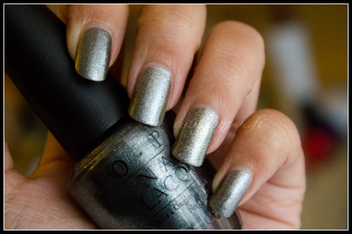OPI Lucerne-Tainly Look Marvelous vs. CHANEL Graphite
